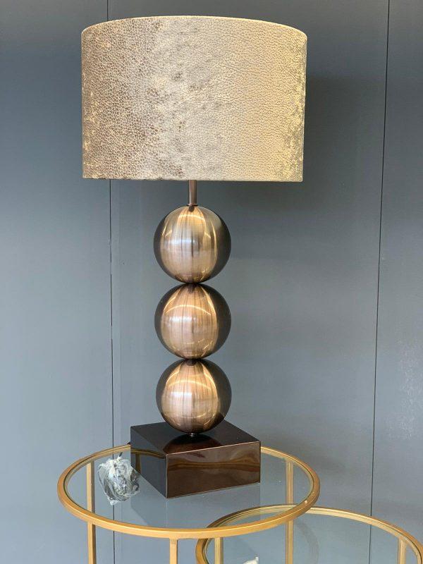 Brons tafellamp met 3 bollen