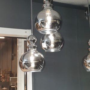 pinto nero 3 lichts hanglamp met een ronde rvs plaat