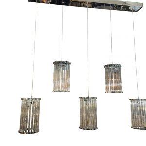 Hanglamp 5 lichts Cilinder glas en is geschikt voor gebruik boven eettafel in woonkamer en keuken. Mooie 5-lichts hanglamp, uitgevoerd met rvs chroom plafond plaat. Deze hanglamp wordt geleverd met 5 heldere kelken. De afmetingen van de glazen zijn: 25x13cm.